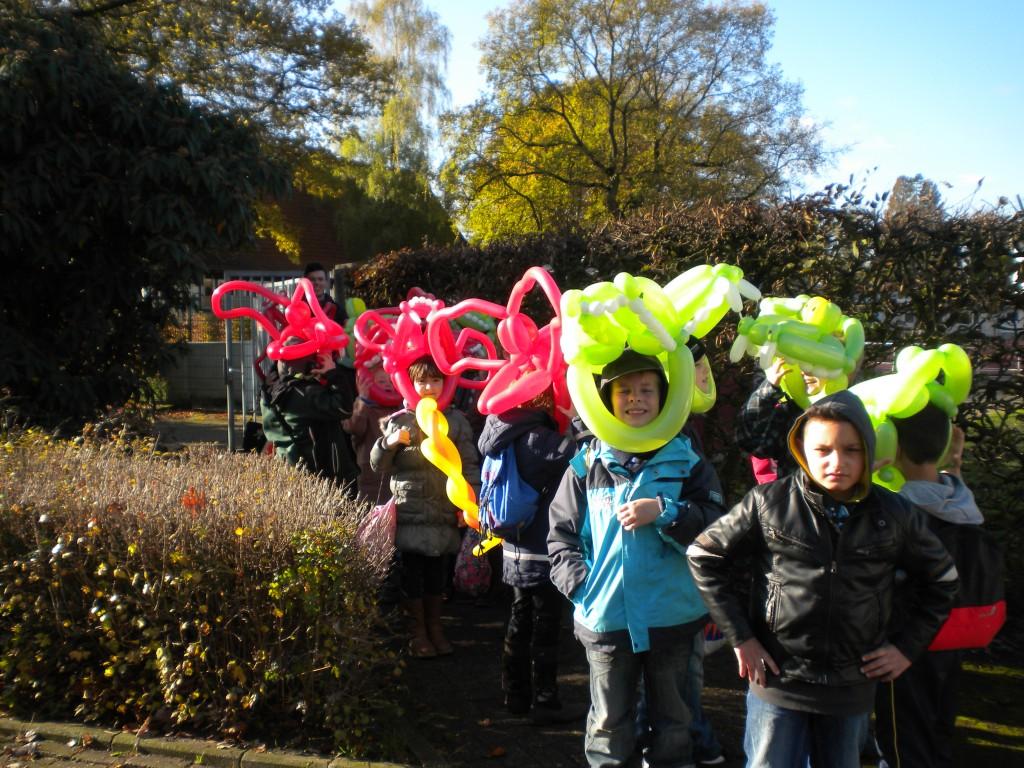 Galerie Ballonmodellage Kinder mit Krokodilmasken