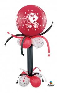 2m hohe Skulptur mit roten 70 cm Durchm.Latexballon mit Aufdruck von Würfeln und Karten