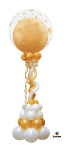 Skultur in gold und Elfenbeinfarben mit einem 70 cm Durchm. Ballonoben auf ca. 2m hoch