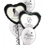 2 Schwarz/Weiße Folienherzenplus 3 schwarzweiße Latex ballons mit Aufschrift