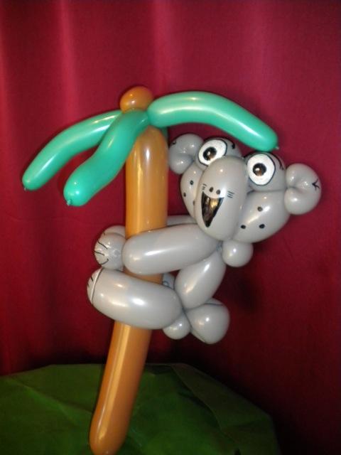 Luftballonkünstler Münster Happu Krenz macht tolle Ballonfiguren Affe auf Palme