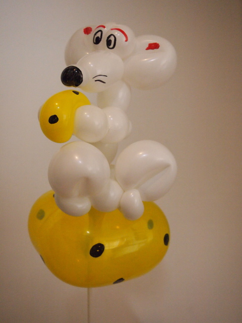 Luftballonkünstler Greven Maus auf Käse